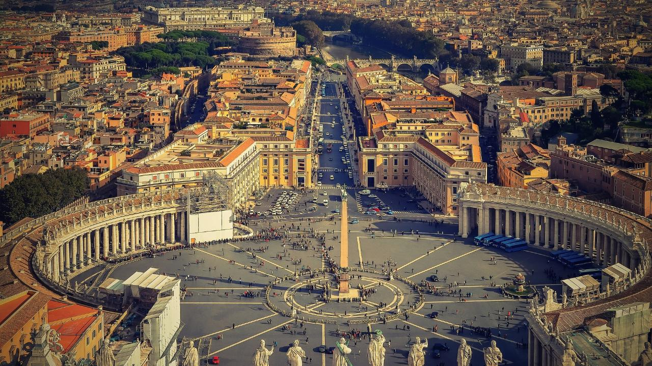 VATICAN: MUSEUMS AND SISTINE CHAPEL PRIVATE TOUR