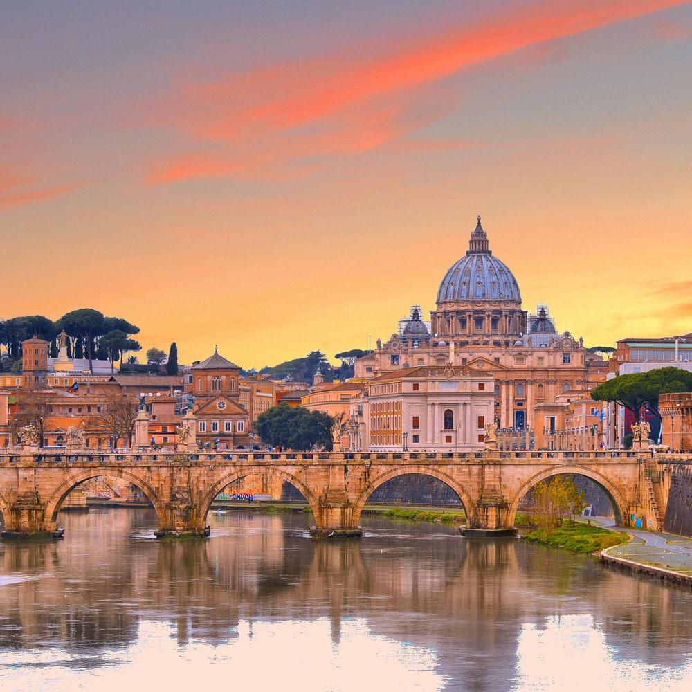 Hop-on Hop-off Walking Tour Rome